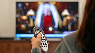 Elmennek a tévé elől a magyar emberek