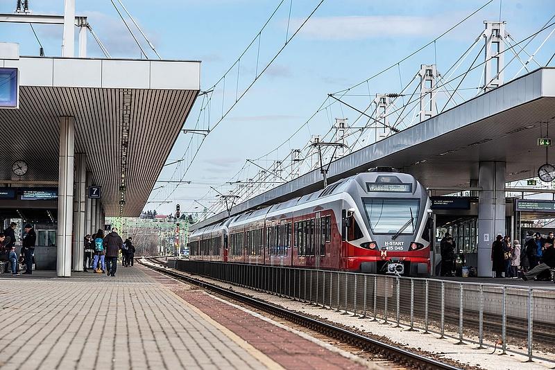 Hétfőtől változik a menetrend a pécsi vasútvonalon