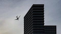 Mélyebbre került a gödörben a Boeing