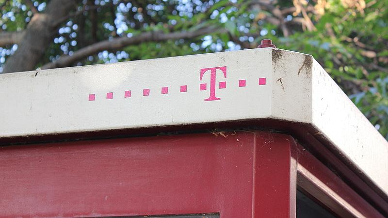 Szerelőket épített le a Telekom