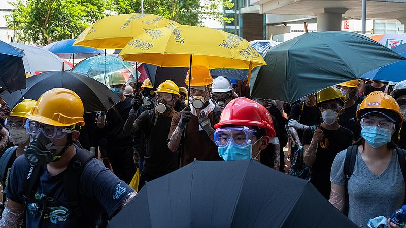 Elmérgesedett a tüntetés Hongkongban