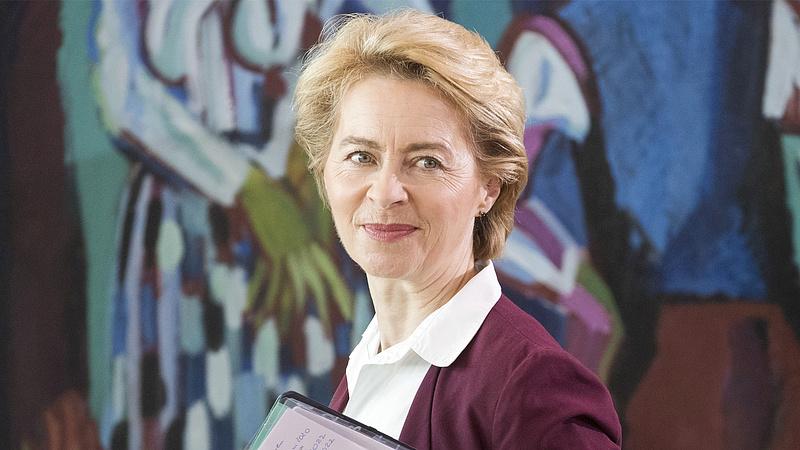Merkel örül az első női bizottsági elnöknek