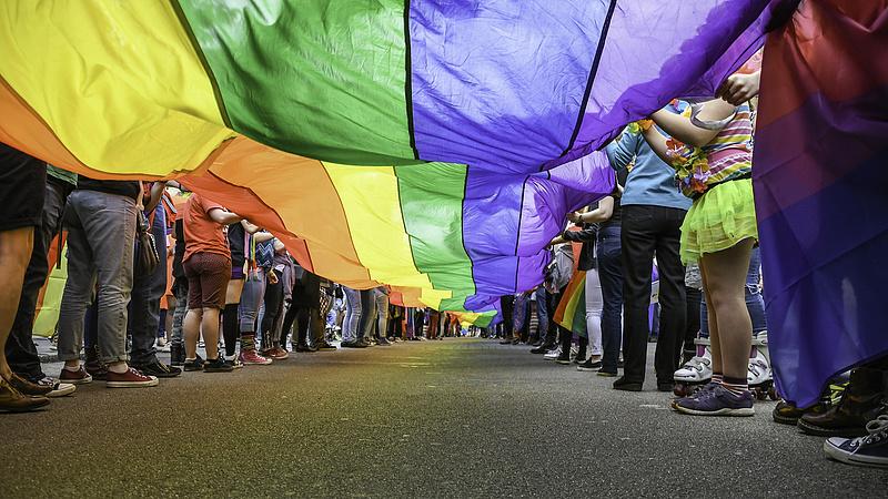 Száz hazai cég áll ki a Pride-közösség mellett