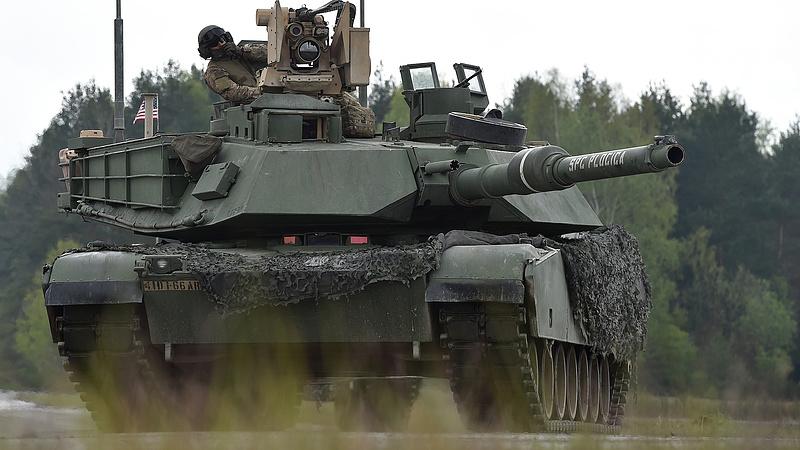 Fegyvereladással húzogatja Kína bajszát az USA