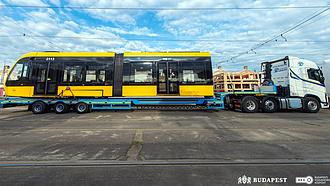 Új villamosok állnbak forgalomba a fővárosban