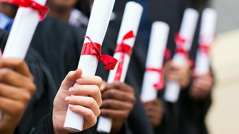 A nyelvvizsgamentesség már 140 ezer új diplomást termelt ki