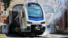 Elkészült az első magyar emeletes vonat