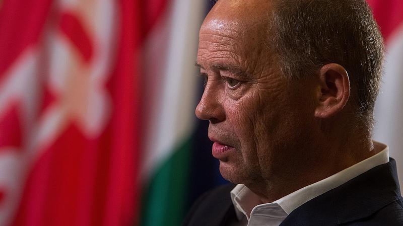 Visszahívták MSZP-alelnöki tisztségéből Szanyi Tibort