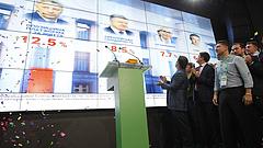 Ukrajna ismét beintett Moszkvának a választáson
