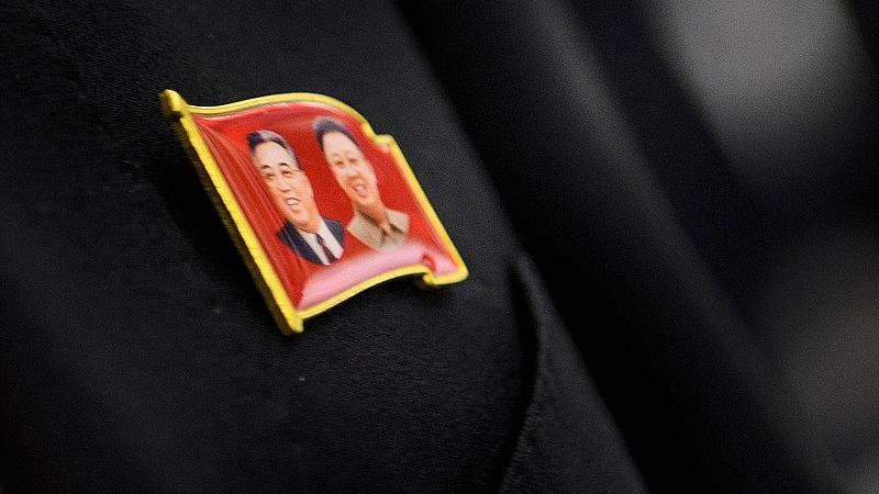 Észak-Korea pénzére szorulnak a nyugati szervezetek