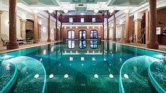 Közpénzből kap kültéri medencét Mészáros Lőrinc luxusszállodája