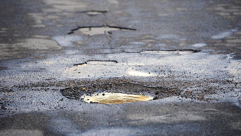 Folytatódik a burkolatjavítás az M1-es autópályán