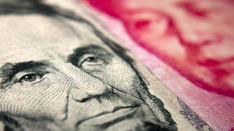 Tovább zuhant a jüan árfolyama