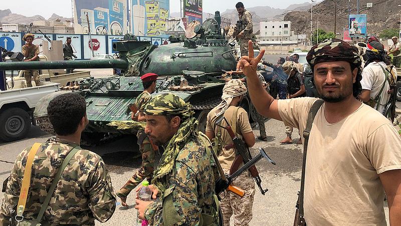 Jemeni polgárháború: szakadárok elfoglalták az elnöki palotát Ádenben