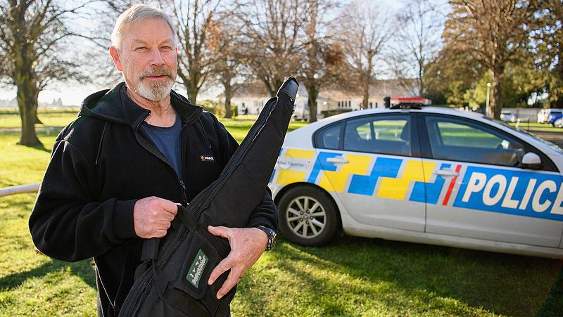 Új-Zélandon egy hadseregnyi fegyvert adtak le a tulajdonosok