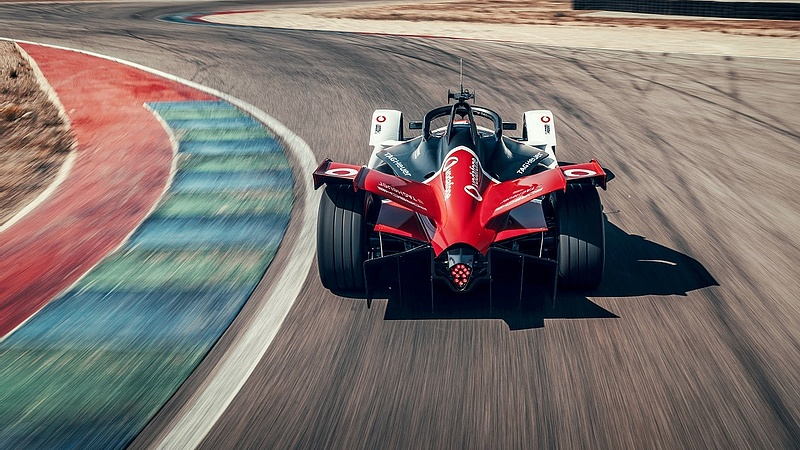 Frigyre lép a Vodafone és a Porsche