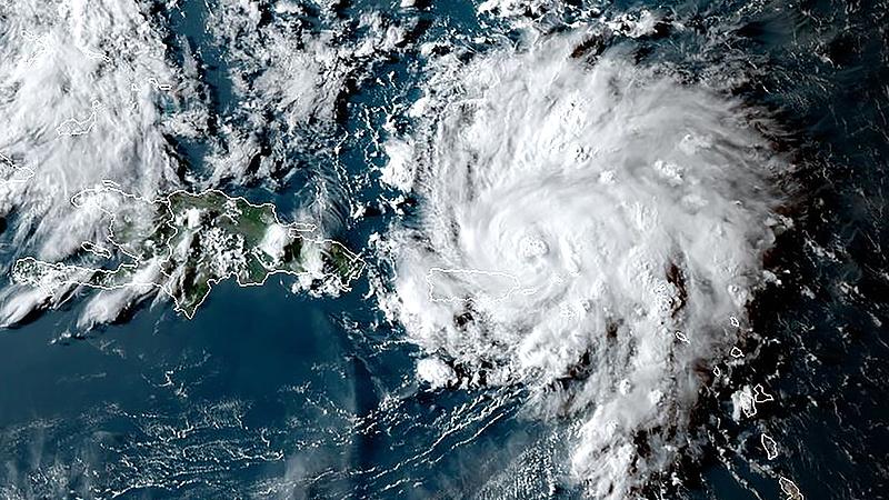 Hatalmas hurrikán tart Florida felé - Trump a Twitteren figyelmeztet