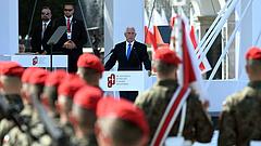 A nemzetek erős szövetségéről beszélt az amerikai alelnök Varsóban