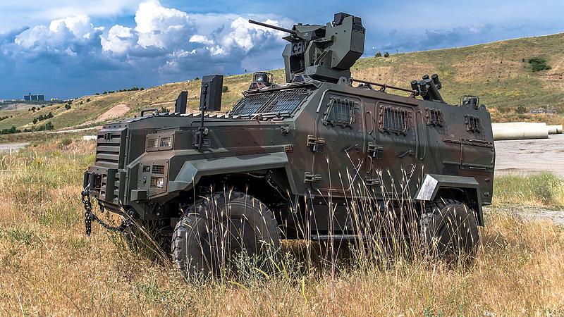 Katonai járművek lesznek az utakon