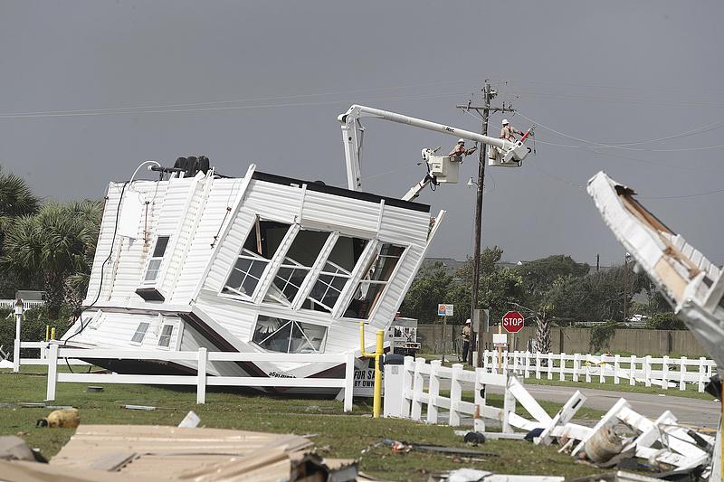 Akkora vihar közelít Amerika felé, hogy három államban rendkívüli állapotot hirdettek