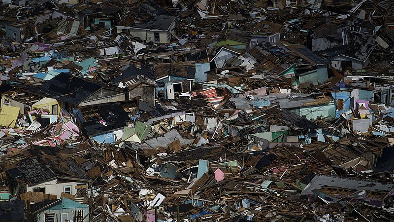 Hurrikán után trópusi vihar pusztítja a Bahama-szigeteket