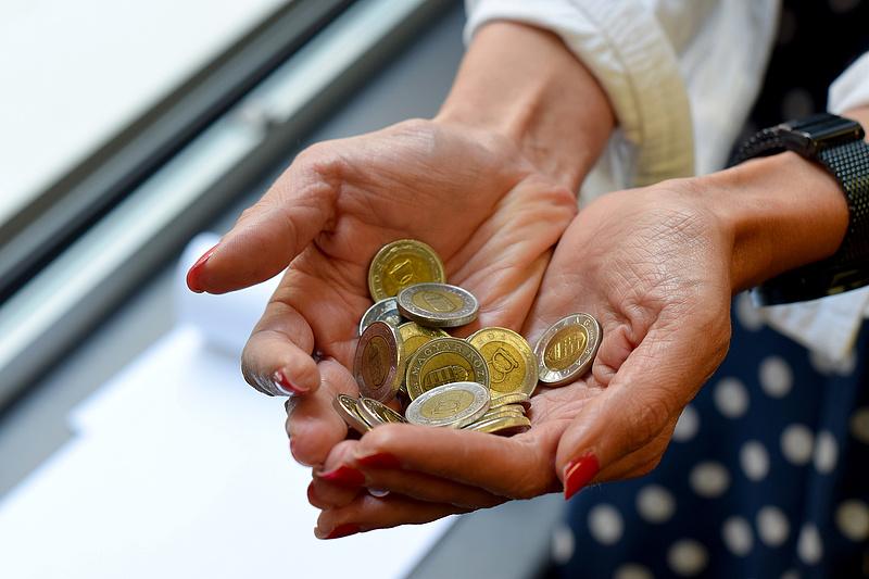 364 forint körül jegyzik az eurót