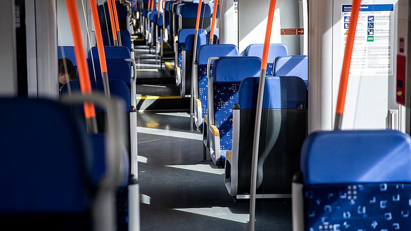 Több vonattal erősít a MÁV a stadionavatóra