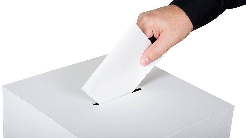 Fontos választás zajlik az olaszoknál