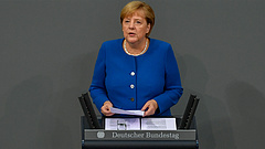 Merkel riadót fúj, kezébe veszi az európai oltáshelyzet megoldását
