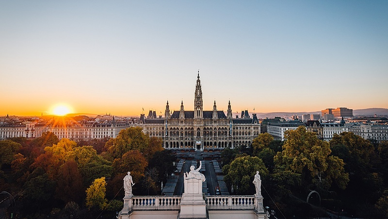 Bécs elindítja történelme legnagyobb napelemes offenzíváját