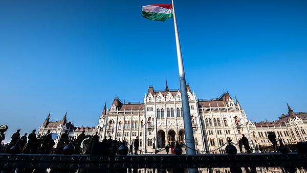 Orbán Viktor új harcra készül, Márki-Zay szerint a magyaroknak most is elege van
