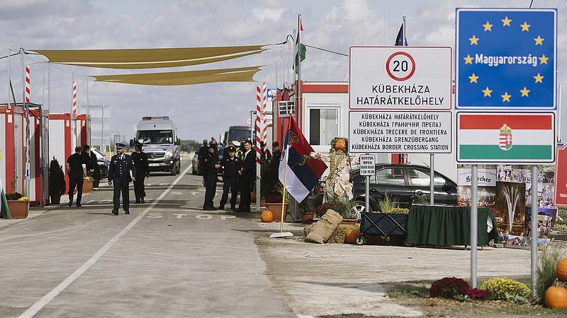Elavult rendszer miatt kell lezárni a magyar határokat