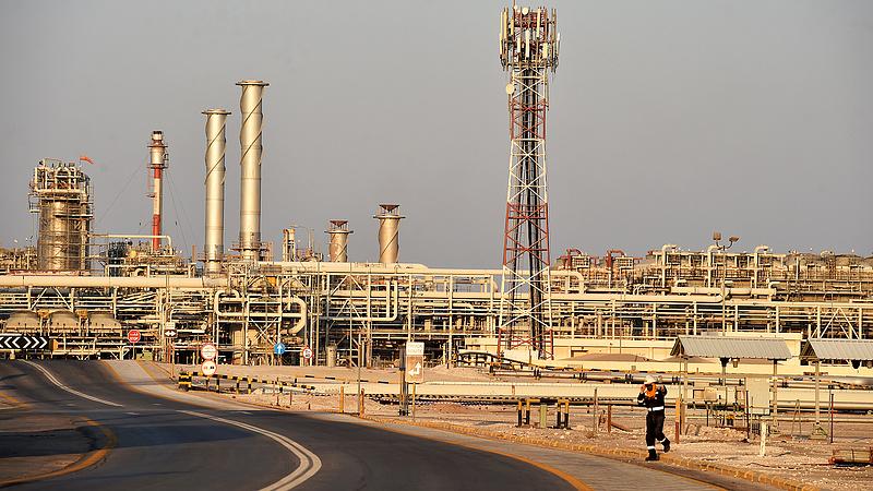 Nagyot esett az olajóriás profitja