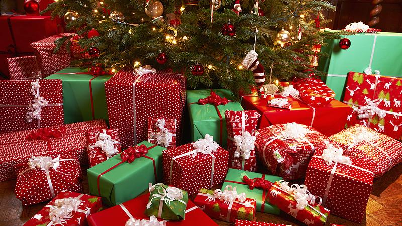 Lesznek nyugdíjasok és gyerekek, akik kapnak karácsonyi utalványt