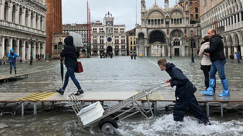 Vészhelyzet van Velencében
