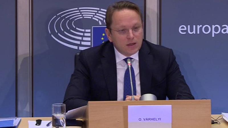 Várhelyi Olivér: meg kell nyitni a csatlakozási tárgyalásokat jövő tavasszal mindkét tagjelölt országgal