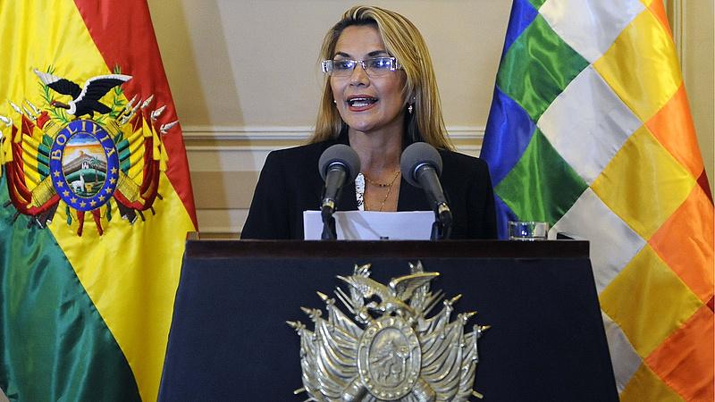 Megvan Bolívia átmeneti vezetője