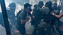 Eszkalálódik a feszültség Hongkongban