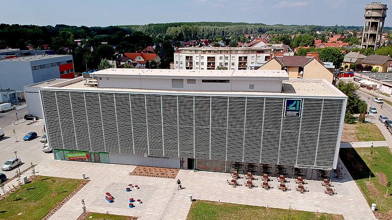 A győri egyetem is megvásárolta Borkai ügyvédjének szolgáltatásait