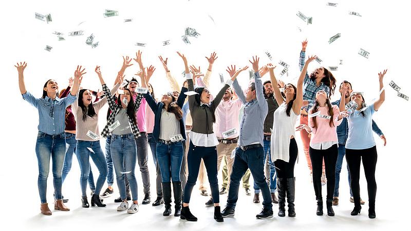 Eurómilliárdokkal mentenék a fiatalokat az EU-ban
