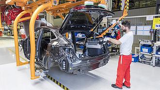Nagy a baj: leáll a győri Audi-gyár