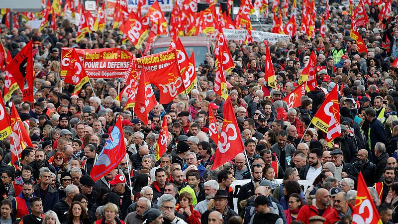 Nyugdíjreform: meghátrálhat a francia kormány