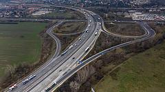 Újabb autópályákat adnak át Magyarországon, bővítenék az M0 körgyűrűt