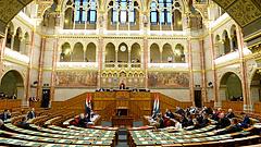 Koronavírus: benyújtották a védekezésről szóló, rendkívüli intézkedésekre felhatalmazó törvényjavaslatot
