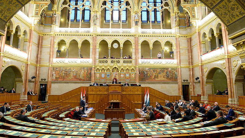 Friss kutatás: lehagyta a Fideszt az ellenzék