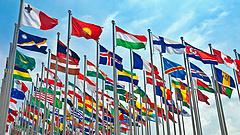Világgazdasági kockázatokat lát az IMF
