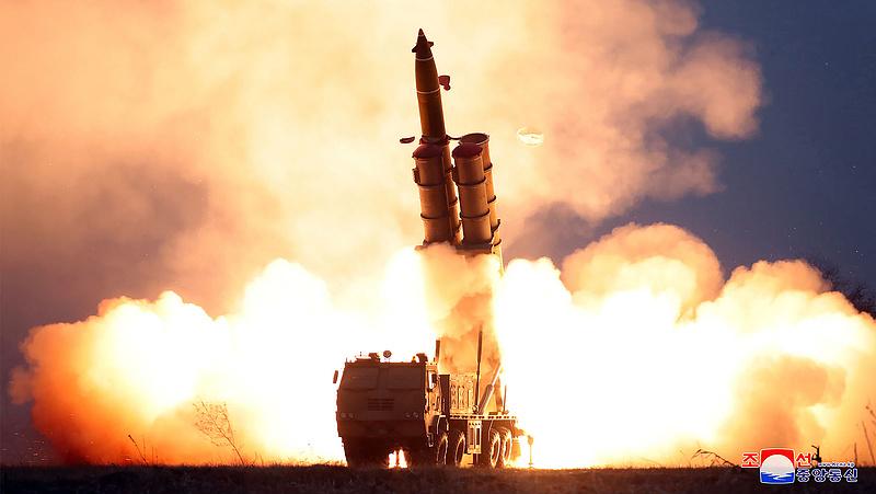 Észak-Korea bemutatta a legújabb fegyvereit
