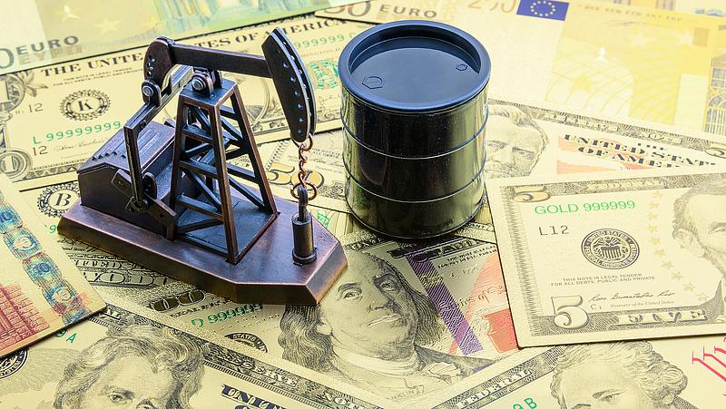 Az amerikai tőzsdék zárva, az olaj ára emelkedik