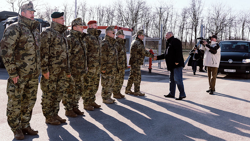 Németh Szilárd: nő a migrációs nyomás, több katona lesz a határon