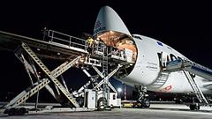 Megérkezett az első óriásgép Ferihegy új logisztikai központjába